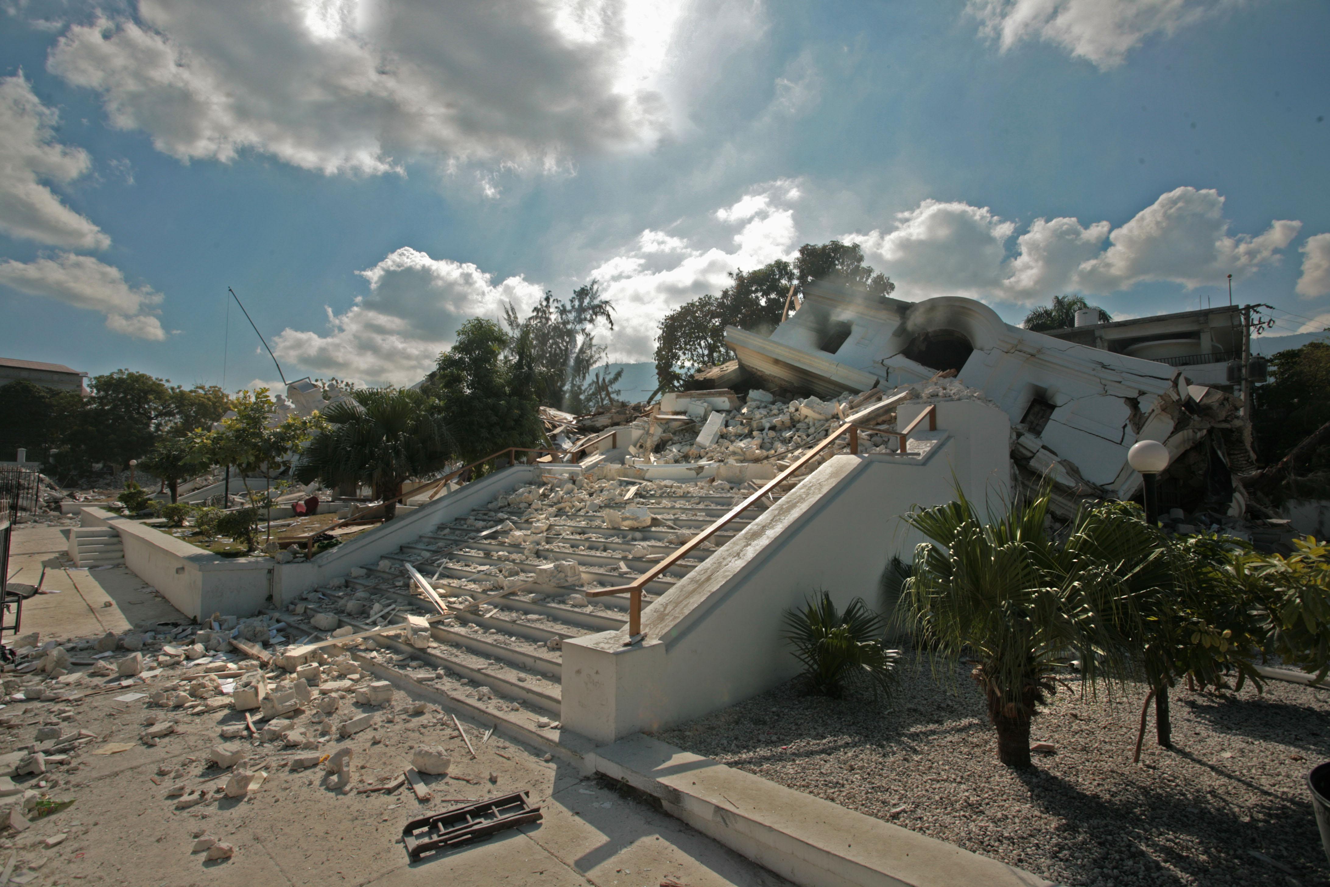 "Roberto Stephenson - ""Sans titre"", Haiti, the Earthquake City, 2010"